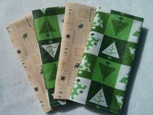 """Sparkle Christmas Trees Checkered Cloth Napkin - Set of 4 (12""""x12"""") $5.99"""